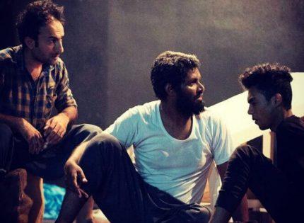 نمایش «غراب شیطان » از تولیدات حوزه هنری هرمزگان در خرمشهر به روی صحنه می رود